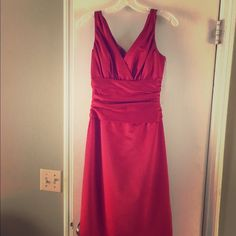 Bridesmaid dress Lady in Red. David's bridal stunning and classic size 4 dress. Only worn once! Dresses Wedding