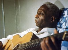 Lead Belly, Folk-Music Giant, Has a Smithsonian Moment - The New York Times Queen Elizabeth Wedding, Folk Musik, Old Sparky, Lead Belly, Jazz, Concert Festival, Prison Life, House Of The Rising Sun, Tools For Teaching