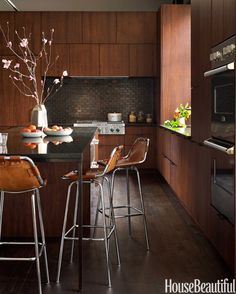 A Warm, Modern Kitchen in New York City interior, warm modern, kitchen stools, house beautiful kitchens 2014, modern kitchens, kitchen islands, wood kitchen, design, counter stools