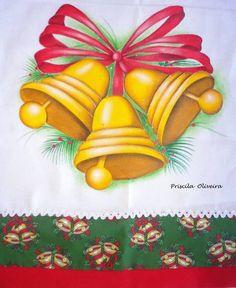 Pano de prato com pintura de sinos com laço natalino; Feito em tecido de sacaria branca, medindo 70 x 46 com barrado de tricoline e sianinha ... Por se tratar de um trabalho feito a mão., os tecidos podem mudar de acordo com a disponibilidade R$ 26,00
