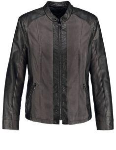 Het effectieve materiaal met kunstlederen patch en wassing effecten geven dit jack het modieuze karakter. Sportieve stijl met rits en ritszakken en st...