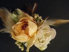 Determining Who Wears Flowers At Wedding For The Best Planning – Bridezilla Flowers Wristlet Corsage, Bridesmaids And Mother Of The Bride, Corsage Wedding, Wedding Events, Wedding Ideas, Prom Ideas, Bridezilla, Passion Flower, Bride Bouquets