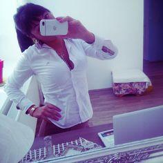 #inst10 #ReGram @denisa_m_dvorak: #newwork #brunette #shirt #hardwork #happy #enjoyit #blackberry #manager #BlackBerryClubs #BlackBerryPhotos #BBer #BlackBerry #BlackBerryGirls #Lady #BlackBerryQ10 #Q10