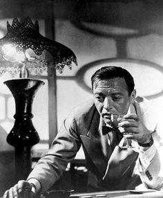 Peter Lorre as Ugarte from the film Casablanca, 1942 Classic Film Noir, Classic Movie Stars, Classic Films, Old Hollywood Movies, Hollywood Stars, Classic Hollywood, Hollywood Men, Humphrey Bogart, Old Movies