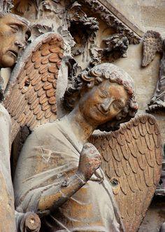 L'Ange au sourire - Cathédrale Notre-Dame de Reims - Marne (France) - Crédit Photo : Vassil - Domaine Public