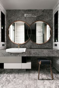 Gorgeous 45 Magnificient Bathroom Mirror Design Ideas White, bright and fabulous bathrooms are all the buzz in the latest bathroom design craze. Bathrooms splashed with boldly colored … Bathroom Mirror Design, Bathroom Colors, Bathroom Interior Design, Bathroom Styling, Bathroom Sets, Home Interior, Modern Mirror Design, Washroom Design, Interior Colors