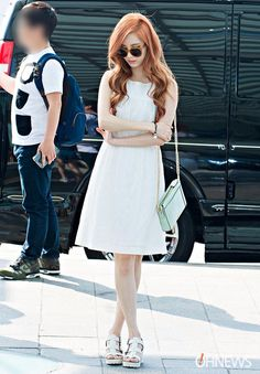 SNSD's Seo Juhyun's airport fashion otw to Thailand is so on point.