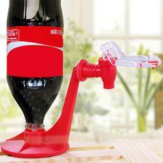 Hot Attractive Nouveauté Saver Soda Distributeur Coke Bouteille À L'envers D'eau Potable Dispense Machine Gadget Parti Home Bar