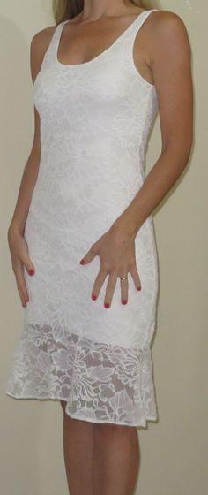 Vestido de Renda Off White Branco para Casamento civil, batizado, bodas, ano novo, eventos casuais, festas.