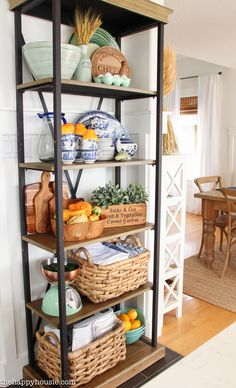 Home Decor Accessories Kitchen Organization Pantry, Diy Kitchen Storage, Kitchen Decor, Kitchen Bookshelf, Decorating Bookshelves, Diy Home Decor, Room Decor, Apartment Living, Apartment Furniture