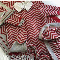 Luxo, moderno, tudo de bom... ❤️ Macacãozinho vermelho com cinza + body + manta dupla R$ 494,90 RN ou P. ♚ Vendas pelo WhatsApp ♚ (17) 99221-3037 ⏰ Graziela (17) 99663-3770 ⏰ Aline (17) 99191-8730 ⏰ Beatriz (17) 99258-0779 ⏰ Manu (17) 99189-7047 ⏰ Monique (17) 3361 2824 ☏ Fixo #petitpoisenfant #luxo #macacao #conjunto #bebe #gestante #maedemenino #familia #sapatinho #casaquinho #bordado #croche #feitoamao #comcarinho #comamor #bebeluxo #cinza #saidadematernidsde #enxoval #marinheiro…