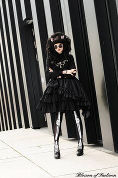 Madame Kreepsville is in Town by Blossom-of-Faelivrin.deviantart.com on @deviantART