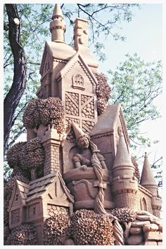 Sand art sculpture - castle with Rapunzle and her long hair depicted from the fairy tale. Snow Sculptures, Sculpture Art, Metal Sculptures, Abstract Sculpture, Bronze Sculpture, Ice Art, Snow Art, Grain Of Sand, Sand And Water