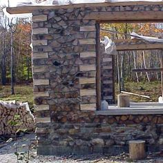 Cordwood Homes and Barns Site has amazing ideas for cordwood homes. Natural Building, Green Building, Building A House, Earthship, Cabins In The Woods, House In The Woods, Trailer Casa, Cordwood Homes, Tadelakt