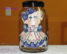 Pintura em tecido aplicada em vidro.