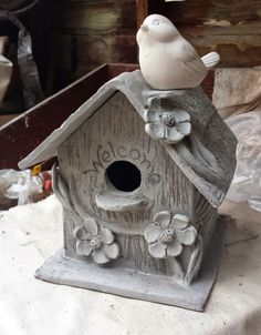 The garden needed some birdhouses, so I sculpted a couple. The top 2 photos are prior to firing and when the clay was still wet. The garden needed some birdhouses, so I sculpted a couple. The top 2 photos. Hand Built Pottery, Slab Pottery, Ceramic Pottery, Pottery Art, Pottery Houses, Ceramic Houses, Clay Birds, Ceramic Birds, Advanced Ceramics