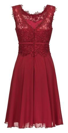 Beautiful and delicate. Grad Dresses, Evening Dresses, Formal Dresses, Red Frock, Boho Fashion, Fashion Dresses, Mom Dress, Lace Dress Black, Western Dresses