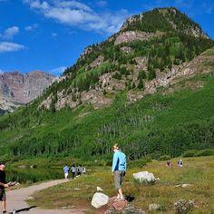【hide_grand_circle】さんのInstagramをピンしています。 《Maroon Bells, Colorado コロラド州 マルーンベルズ 日本の上高地のような場所 素晴らしいハイキングコースがある #maroonbells #rockymountain #rocky #vacation #nationalpark #travel #adventure #backpacker #hiking #コロラド #アメリカ #ロッキー #ロッキーマウンテン #ハイキング #緑 #湖 #写真好きな人と繋がりたい #絶景 #楽園 #山 #高原 #森 #木 #海外 #trees #forest #green #trail #fantastic_earth #wonderful_places》