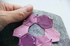 V and Co.: V and Co: tips for small hexagon paper piecing