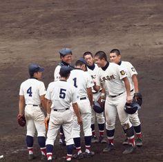 北本高校 vs 市立川越 (2014/7/19): 4回戦は市立川越との対戦。延長11回までもつれた試合は、惜しくも0-1でサヨナラ負け。しかしながら放ったヒット8本は、相手のヒット数3を大きく上回り、投げては須藤投手が10奪三振と、大健闘でした。 http://kitamoto-style.blogspot.jp/2014/07/96.html