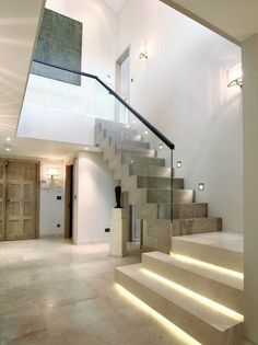 Modern Staircase Design Ideas - Modern stairways can be found in numerous design and styles that can be actual eye-catcher in the various location. We've compiled ideal 10 modern versions of stairs that can provide. Led Stair Lights, Stairway Lighting, Wall Lighting, Garage Lighting, Escalier Design, Beton Design, Concrete Stairs, Wood Stairs, Modern Stairs