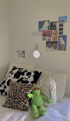 Room Ideas Bedroom, Bedroom Decor, Bedroom Inspo, Bed Room, Bedroom Furniture, Furniture Design, Bedroom Signs, Furniture Styles, Office Furniture
