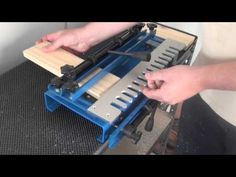 Learn to make this beautiful dovetail pattern without any jigs or expensive tools. Woodworking Shows, Router Woodworking, Woodworking Projects, Dovetail Jig, Router Jig, Wood Magazine, Wood Joints, Custom Cutting Boards, Walnut Dining Table