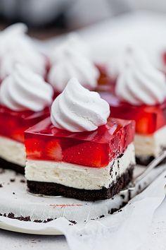 Kostka truskawkowa 'Black Red White' Red Birthday Party, Red Party, 10th Birthday, Birthday Ideas, Cumpleaños Lady Bug, Yummy Treats, Sweet Treats, Black Dessert, Red And White Weddings
