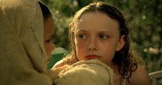 Young Dakota Fanning in Hounddog