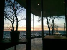 Noa on keväällä 2014 avattu, sijainniltaan ja sisustukseltaan upea ravintola. Ruoka ja palvelu viisi tähteä!