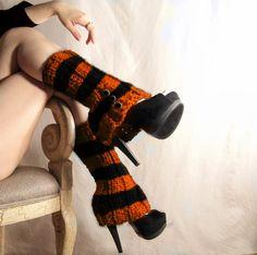 Black and Orange Halloween Legwarmers....love 'em!