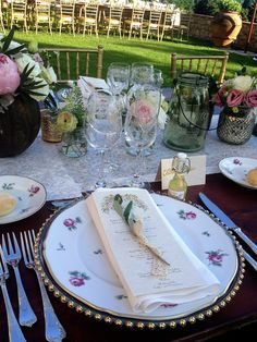 GOLD dots with ROSE CHARGERS and lace DECOR for the Menu print
