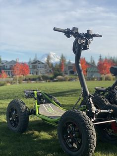 EZRaider Lw model With Mount Ranier in the background 4 Wheels Motorcycle, Moto Bike, Motorcycle Design, Off Road Scooter, Scooter Bike, Electric Tricycle, Electric Scooter, 4 Wheel Bicycle, Build A Go Kart