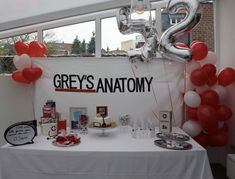 Grey's anatomy party idea 14th Birthday Party Ideas, 16th Birthday, Birthday Party Decorations, Birthday Wishes, Grey's Anatomy, Doctor Party, Bachelorette Themes, Greys Anatomy Characters, Color Schemes Colour Palettes