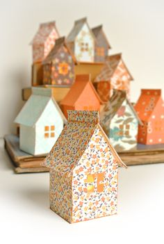 Etsy の Stitch & Fold Paper House Luminary Kit by catheholden Diy Paper, Paper Crafts, Origami Paper, Paper Toys, Paper Art, Diy And Crafts, Crafts For Kids, Foam Crafts, Papier Diy