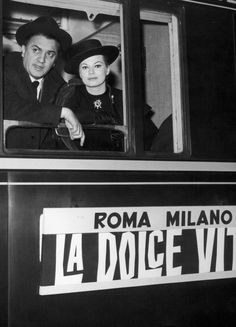 Federico Fellini and Anita Ekberg on board the special train headed for the opening night of La Dolce Vita 1960