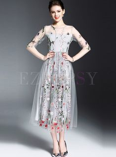 Cheap mesh dress, Buy Quality vestidos vestidos directly from China dress vestidos Suppliers: Women spring summer flower butterfly embroidery mesh dress 2018 long casual beach bohemian vintage mesh dresses 8926 vestidos Midi Dress Outfit, Floral Midi Dress, Dress Outfits, Pretty Dresses, Beautiful Dresses, Fashion Vestidos, Organza, Groom Dress, Maxi Dress With Sleeves