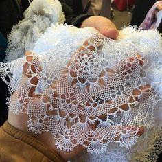 Crochet Stitches Patterns, Baby Knitting Patterns, Stitch Patterns, Lacemaking, Diy Crafts Hacks, Needle Lace, Lace Collar, Sewing Hacks, Doilies
