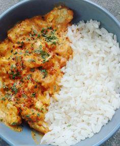 Curry de poulet à la tomate - Des recettes simples-la cuisine de Sandy Hühnchen-Curry mit Tomate - Einfache Rezepte - Sandy kocht recipes Crockpot Recipes, Chicken Recipes, Cooking Recipes, Healthy Recipes, Simple Recipes, Curry Recipes, Healthy Chicken Sauce, Cooking Ingredients, Free Recipes