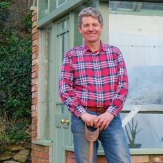 Hi My name is Mark Abbott Compton and my YouTube Channel is where I'll upload all my episodes of my regular gardening show The Ten Minute Gardener. If you he...