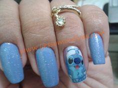 Esmalte Colorama Horizonte Azul e adesivo Stitch de fabricação própria