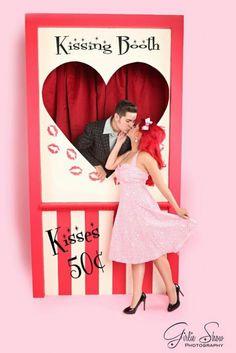 El kissing booth para aniversarios, bodas, cumpleaños, un photocall muy…