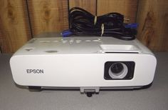Epson Powerlite 85 Model H295A LCD Projector 2600 Ansi Lumens  Low Lamp Hours
