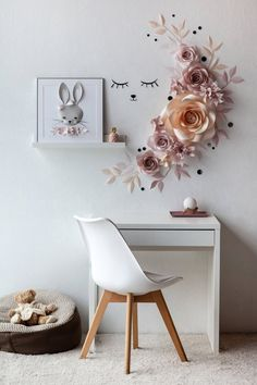 Wall decoration large paper flowers - Paper flowers - Paper flower nursery - Decor is life Large Paper Flowers, Paper Flower Wall, Flower Wall Decor, Cute Wall Decor, Baby Decor, Nursery Wall Decor, Bedroom Decor, Bedroom Ideas, Bedroom Designs