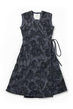 https://alabamachanin.com/products/organic-embroidered-aurora-wrap-dress-diy-kit?taxon_id=40