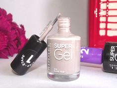 Rimmel - Super Gel nagellak #Bare Hug. Mooi voor de voet nageltjes ;-)