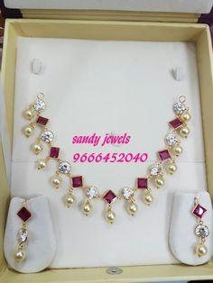 Jewelry Design Earrings, Gold Earrings Designs, Gold Bangles Design, Gold Jewellery Design, Gold Jewelry Simple, Kamiz, Hand Jewelry, Siri, Gold Necklace