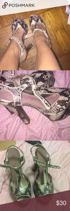 Stunning 🐍 snakeskin print heels - used. Stunning snakeskin print high heels - beigey pink - dark brown - white - needs the bottom fixed - tearing n ripping / n coming off - can prob be repaired - the heels r gorgeous but wear on bottom - n general wear on inner strap - n inner shoe flap coming up can prob be fixed too- all man made - textile upper - made in China 👠👠 Pink & Pepper Shoes Heels
