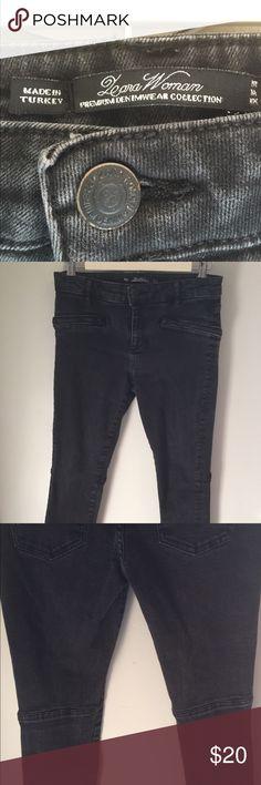 Zara Woman jeans Worn in faded black Zara woman skinny jeans. Nice zipper detail. Zara Jeans Skinny