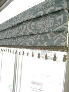 Maison Decor: Is your drapery fabric outdated? Kitchen Window Treatments, Custom Window Treatments, Curtains With Blinds, Valances, Cornices, Roman Blinds, Custom Windows, Window Dressings, Curtain Designs
